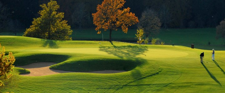 Ein paar Kilometer von Seebruck: Golf-Club Chieming, © Golf-Club Chieming e. V.